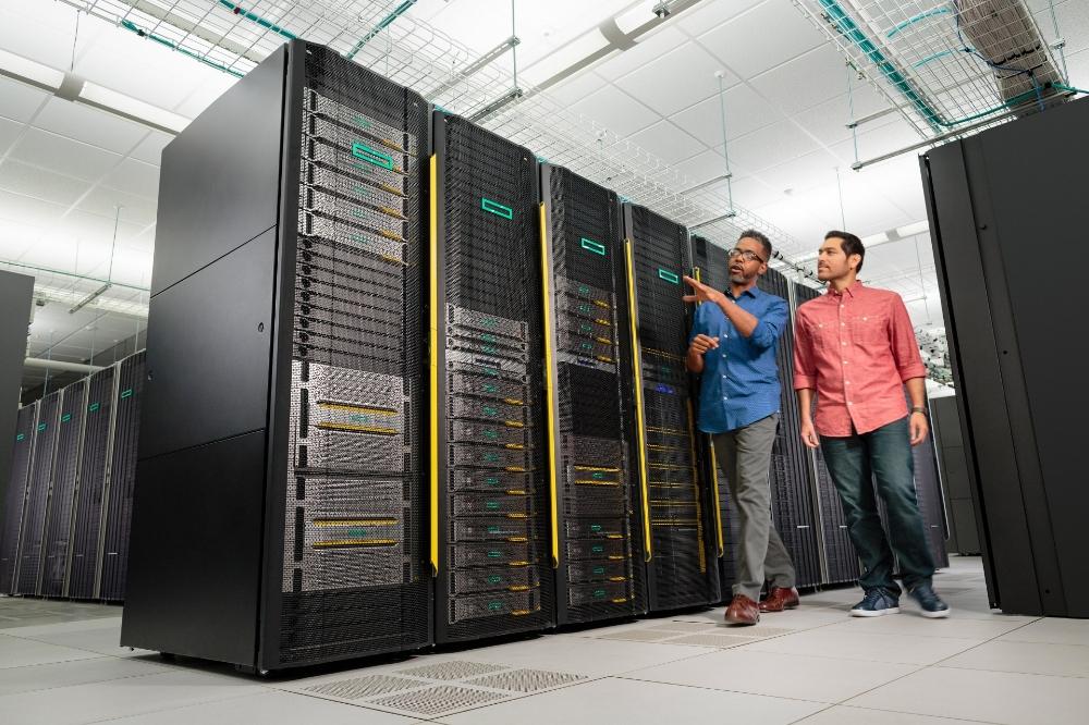 سرور اختصاصی چیست؟ و مناسب چه سایت هایی می باشد